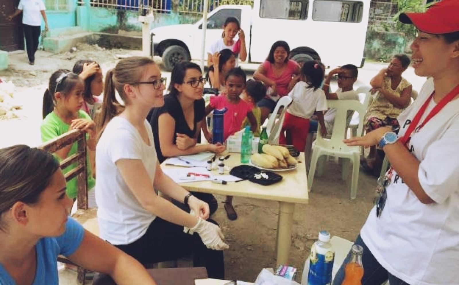 フィリピンの地域各所での公衆衛生活動